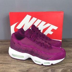 NWT Women's Nike Air Max 95 True Berry Size 7.5